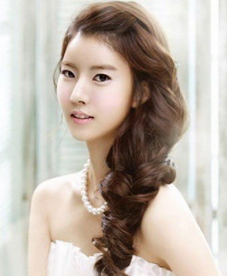 6 Most Beautiful Asian Bridal Hairstyles - STYLECRAZE