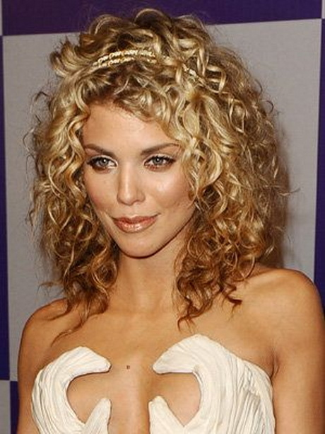 Best Cuts For Curly Hair