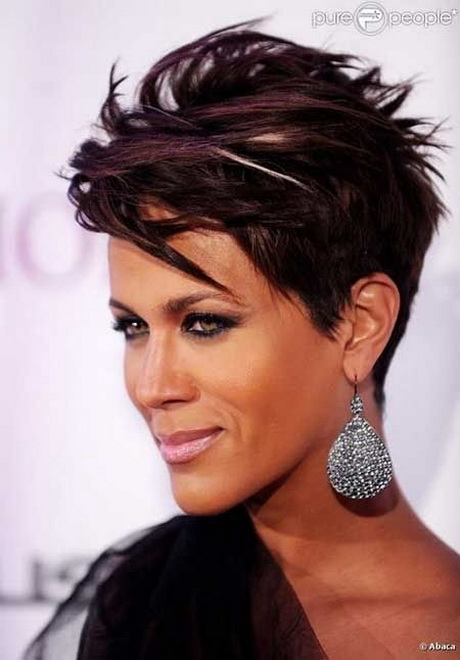 Short Hair Styles : Chic Short Straight Hairstyle