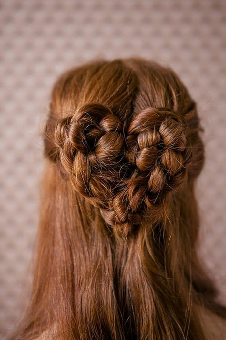 This is a beautiful braid hair style for women.You can copy the look ...