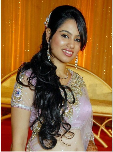 South Indian Bride S Bridal Reception Hairstyle Indian Wedding