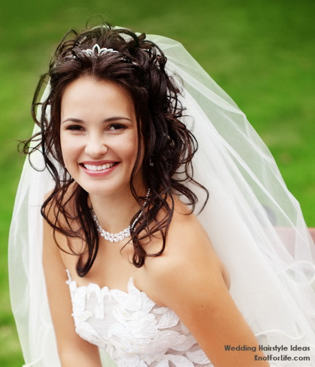 Wedding Hairstyle For Long Hair With Veil: Bridal Hairstyles With Veil And Tiara