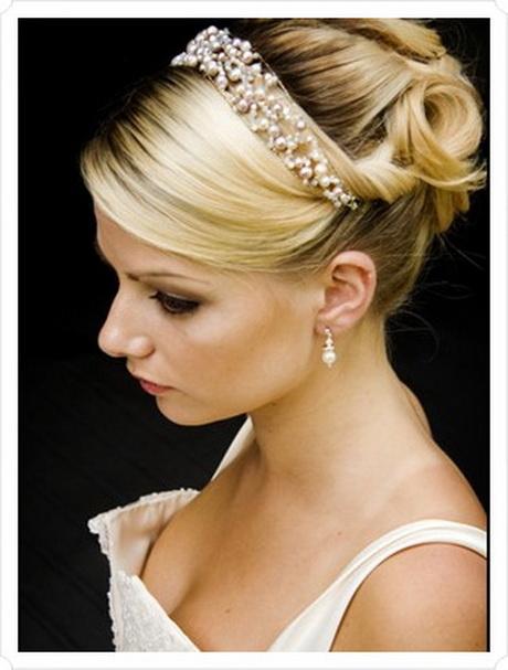 Bridal hairstyles with a headband : Bridal headbands