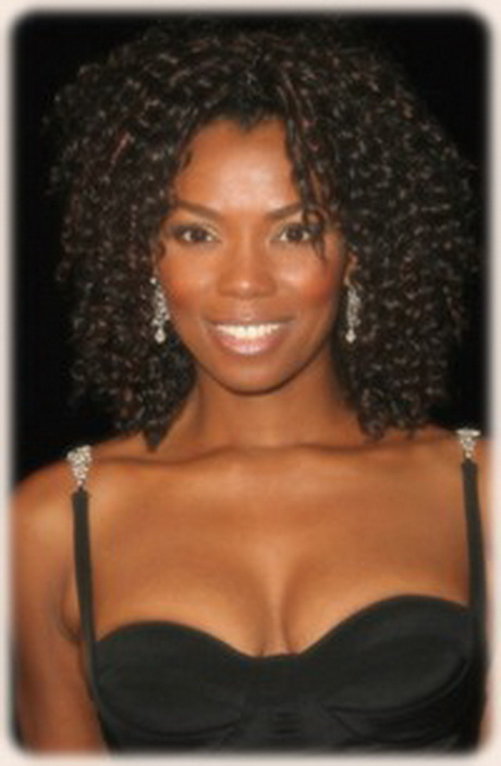 long curly hairstyles for black women2011 long weave hairstyles for