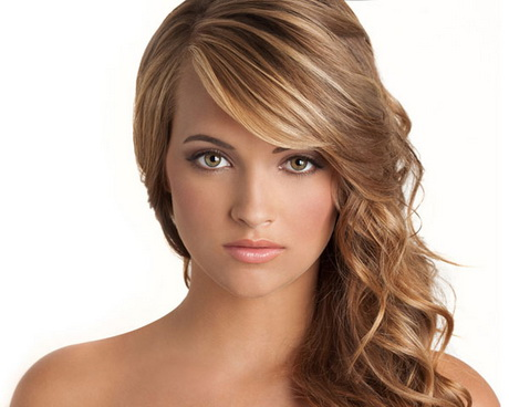 Curly hairstyles for graduation