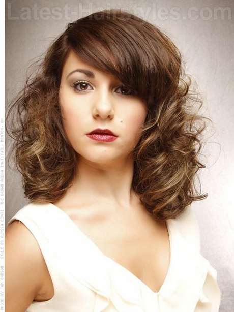 Hairstyles For Curly Hair And Oval Face : Medium curly bob hairstyle on an oval face how to style towel dry
