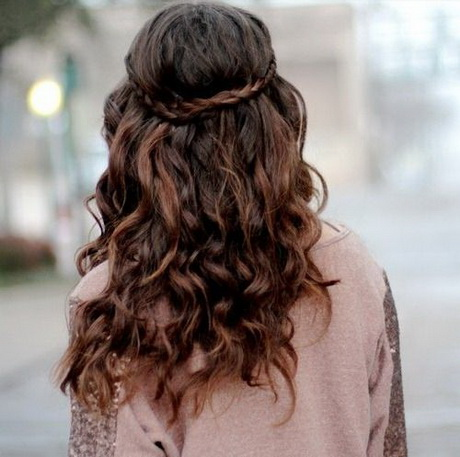 curly hairstyles for work