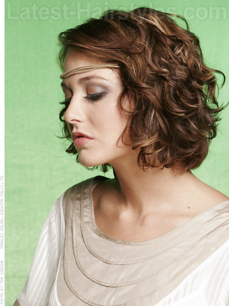 Curly Hairstyles For Short To Medium Length Hair : Popular medium length curly hairstyles