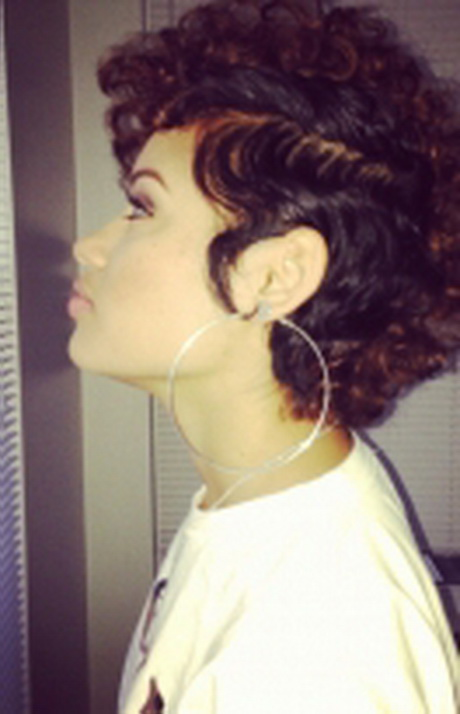 Hairstyles For Short Hair Mohawk : Curly hair mohawk black women. Edgy Mohawk hairstyles