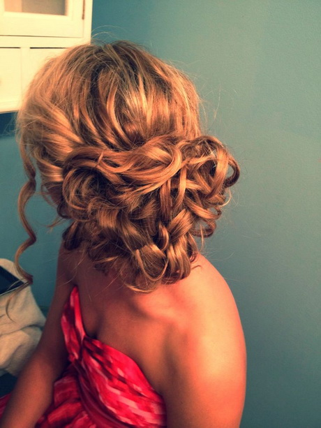 curly hair updo #formal #prom #hair. Via Lexy Kaminski