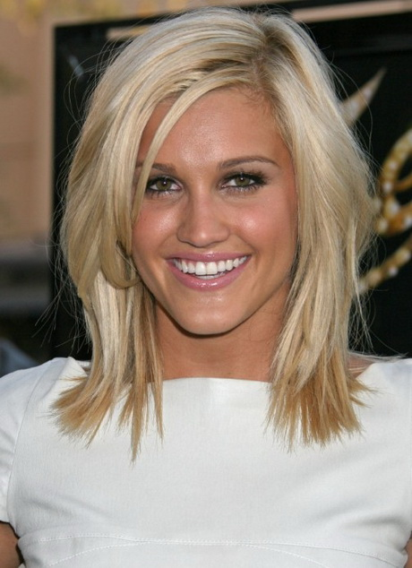 Cute haircuts for medium length hair