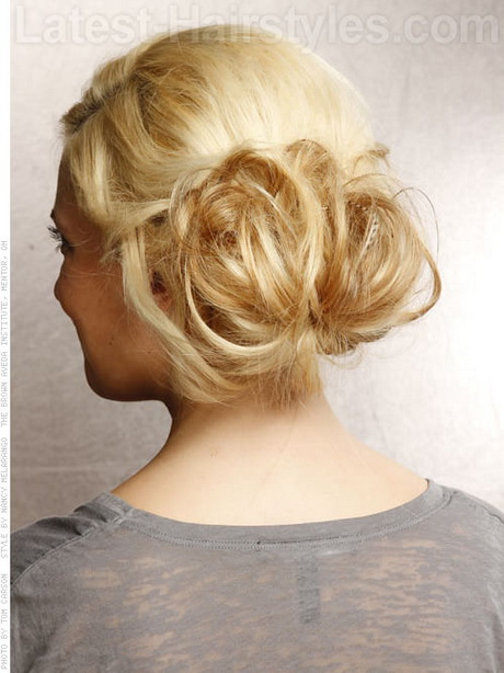 New Looking For A Hairstyle For Prom? Youll Love This Beautiful Bohemian Half Up Hairstyle! This Gorgeous Twisted Crown Hairstyle May Be Easy Enough To Do On Yourself As A DIY Prom Hairstyle! No Difficult Braiding Skills Are Required, Just