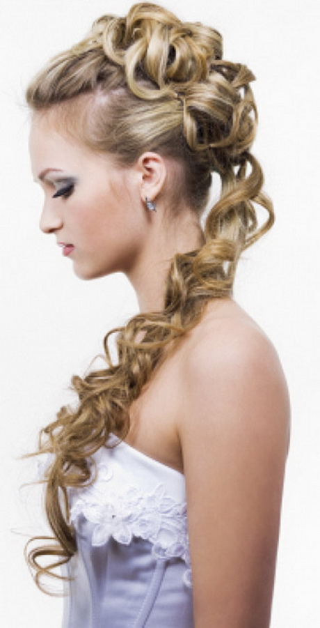 easy summer hairstyles for long hair. Black Bedroom Furniture Sets. Home Design Ideas