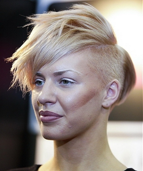 very short edgy haircuts for women 600x798px
