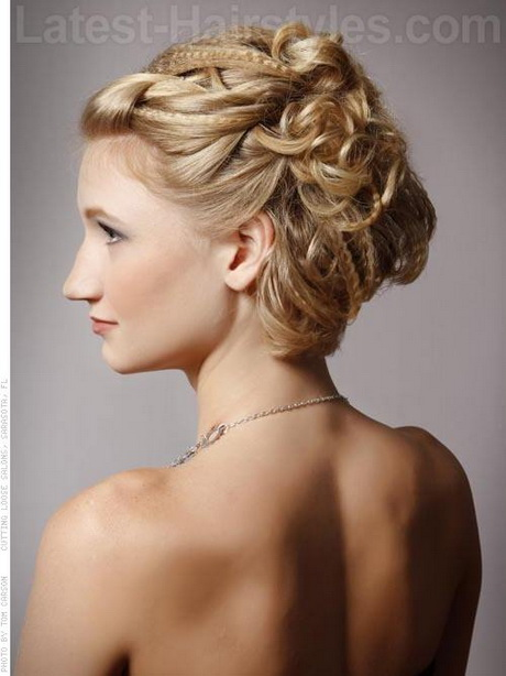 Elegant Prom Hairstyles For Long Hair