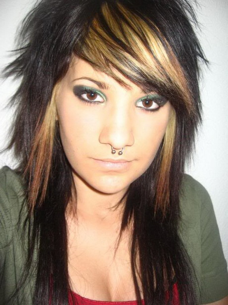 Emo Haircuts For Girls With Long Hair