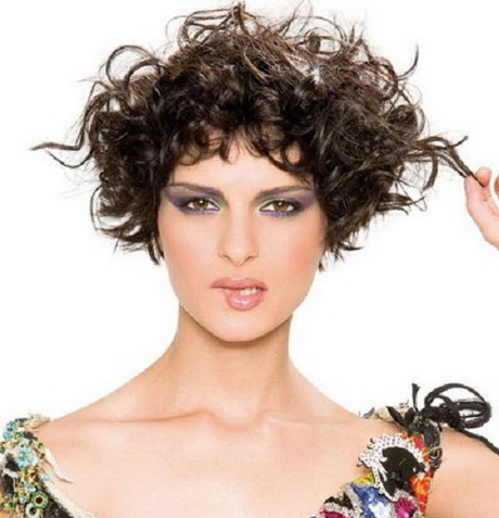 girls with short curly hair