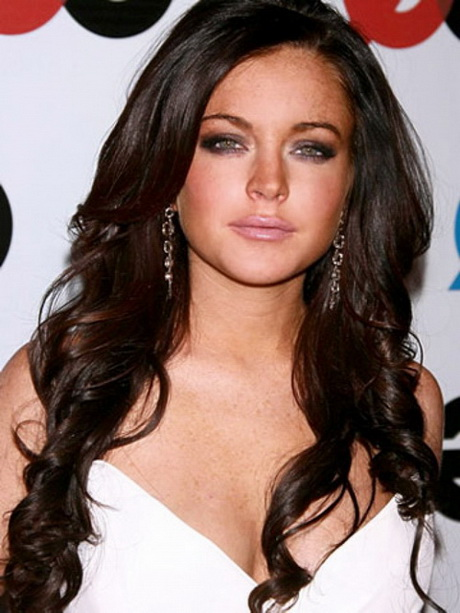 Hairstyles For Long Hair Round Face 2015 : Hairstyles for long hair round face