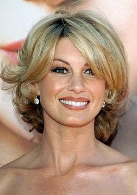 Hairstyles For Professional Women Over 40
