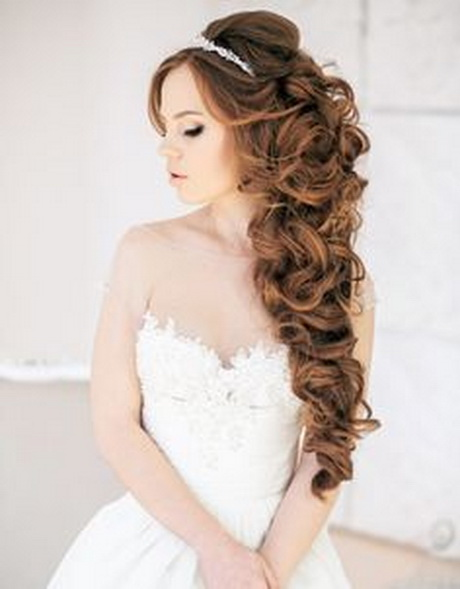 Unique 12 Hairstyles For Brides