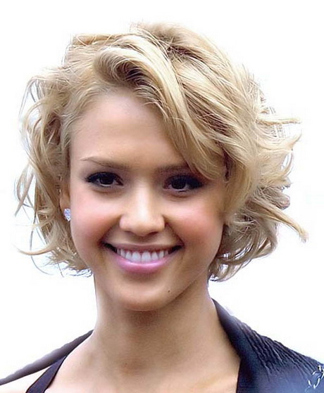 Fantastic Short Haircuts For Women In Their 20s