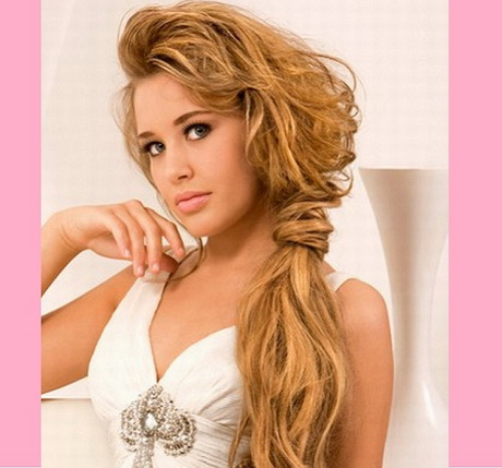 work with long hairs. Here are some of the most popular long hairstyle ...