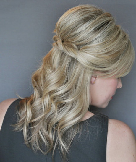 Hairstyles For Short Hair Half Up : ... half-up half-down hairstyles. She created volume at the crown by