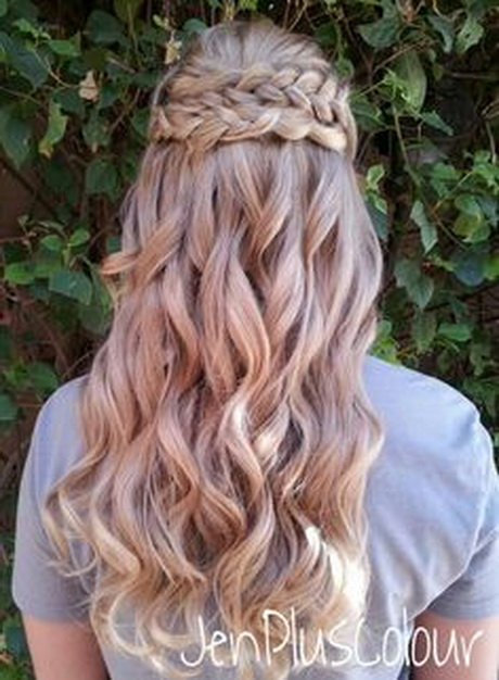 Braided half up half down hairstyle. By JenPlusColour. Braid bride ...
