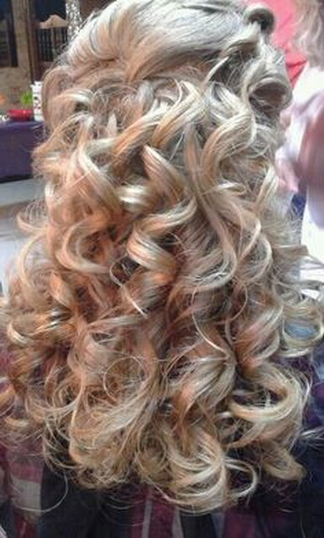 homecoming curly hairstyles