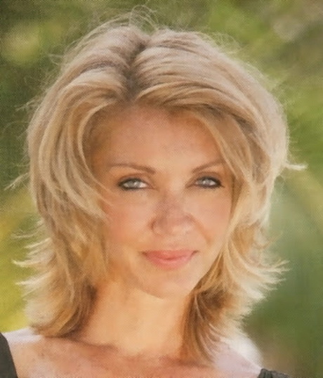 Best Hairstyles For Fine Hair Over 40: Latest Hairstyles For Women Over 40