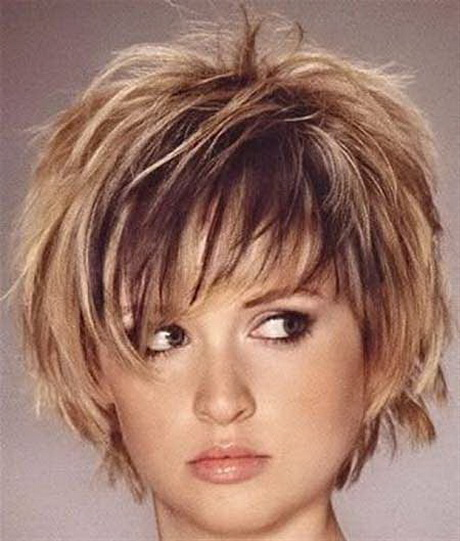 Short Layered Bob Hairstyles for Round Faces