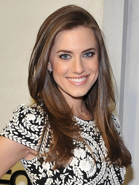 Allison Williams front layers long haircut
