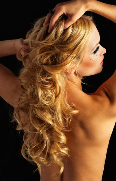 Long curly prom hairstyles