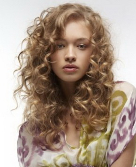 curly hairstyles 2014 Long curly hairstyles 2014  Layered curly ...