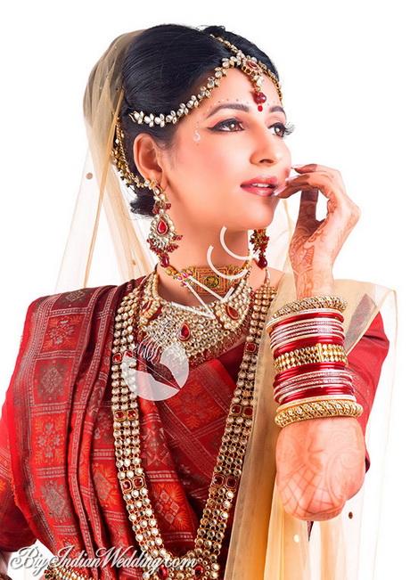 Marathi Bridal Hairstyle : Indian bride wedding maharashtrian marathi
