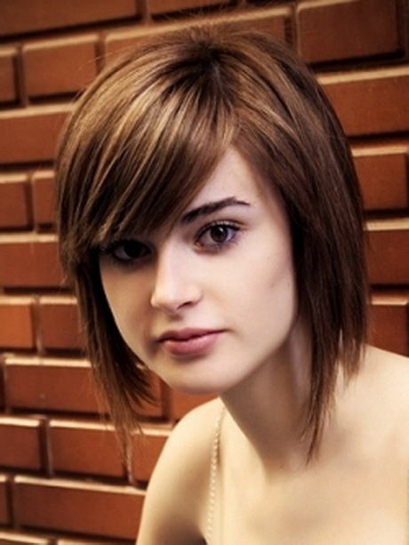 medium length layered hairstyles for round faces medium layered hairstyles for round faces