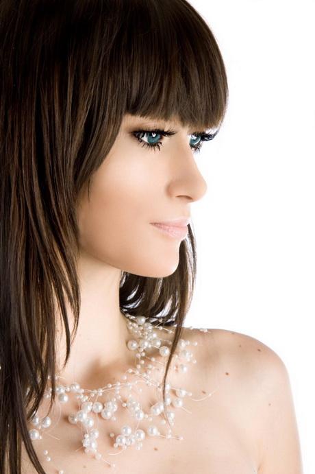 Medium Length Hairstyles With Fringe