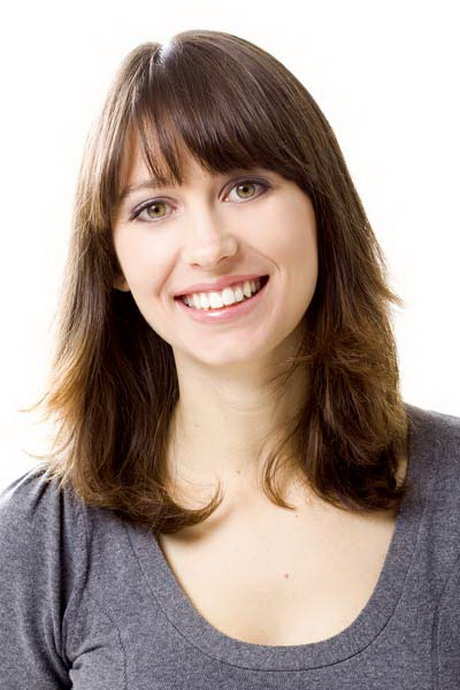 layered hairstyles with bangs shoulder length