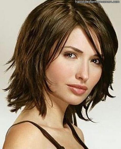 Medium length shag haircut. Via Miriam