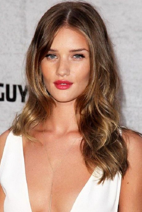 Medium Length Hairstyles with Long Layers