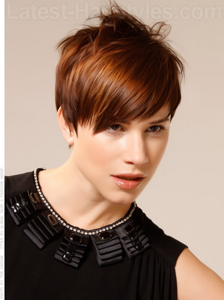Short haircut for round face straight hair