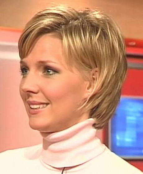 Modern Short Hairstyles For Older Women