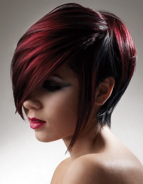 Short hairstyles have a numerous list of benefits. Short hair is easy and quick to style, it feels really comfy and so on. However, some people argue that the owners of short hair almost don't have possibilities for festive hairdos.