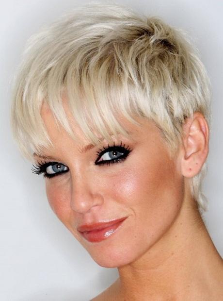 Красивые короткие причёски женские
