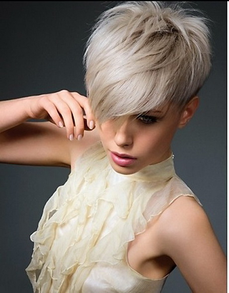 Cute Haircuts For Long Hair With Side Swept Bangs