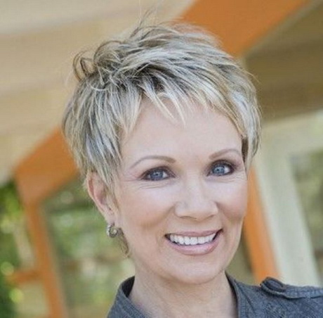 Great pixie haircut for women over 50 with short thick hair! Razor in