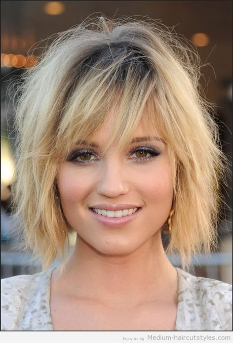 want this hair color!!!! Straight Long Bob Hairstyle with Beaytiful ...