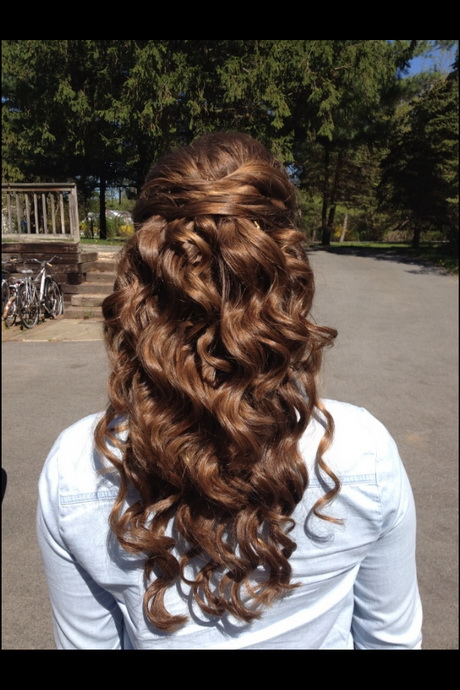 Prom Hairstyles Down And Curly