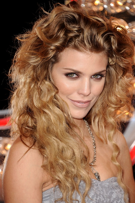 Curly hair idols annalynne mccord natural curls