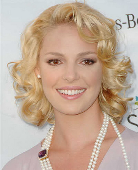 Prom Hairstyles For Medium Curly Hair